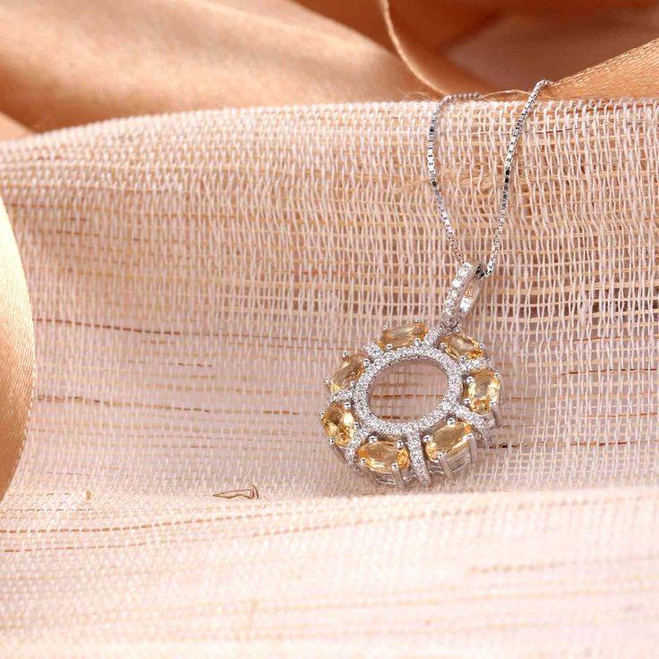 UneJoux Sterling Silver Paislee Round Pendant Necklace With Citrine - UneJoux