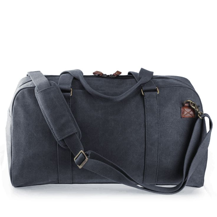 TRP0364 Troop London Classic Canvas Travel Holdall Troop London Classic Canvas Travel Holdall TRP0364 is large and spacious holdall which can be used for travelling or can easily transform as a gym ball. TRP0364 is a new style from Troop New 2014 Classic Collection and this can also make a perfect cabin hand luggage. (Please check your airlines for the cabin restrictions.) http://www.trooplondon.com/trp0364-troop-london-classic-travel-holdall.html