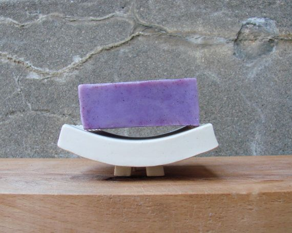 Minimalistic Porcelain Curved Soap Dish