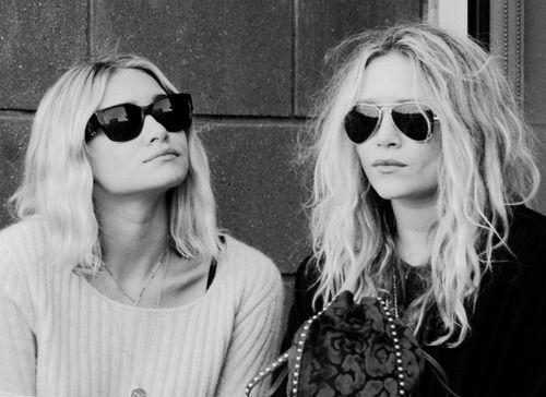 ashley olsen, black and white, fashion, mary kate olsen, olsen sisters