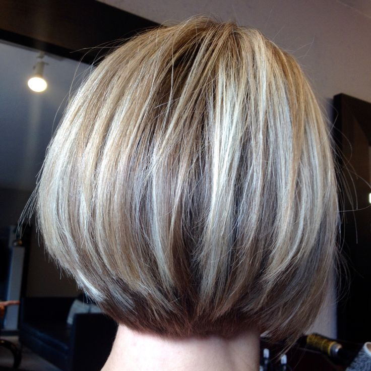 Graduated Bob With Very Light Blond Highlights Bobs In