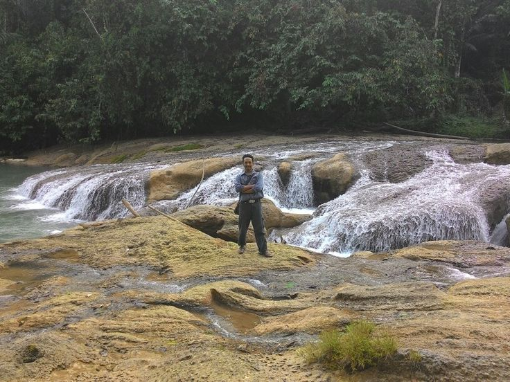 Beteleme rivers in middle sulawesi, Indonesia. Beautiful river was created by nature was found if travelling from morowali to palu. Alhamdulillah i can visiting this place.
