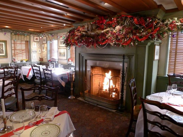 12 best Restaurant Christmas decorations images on Pinterest ...