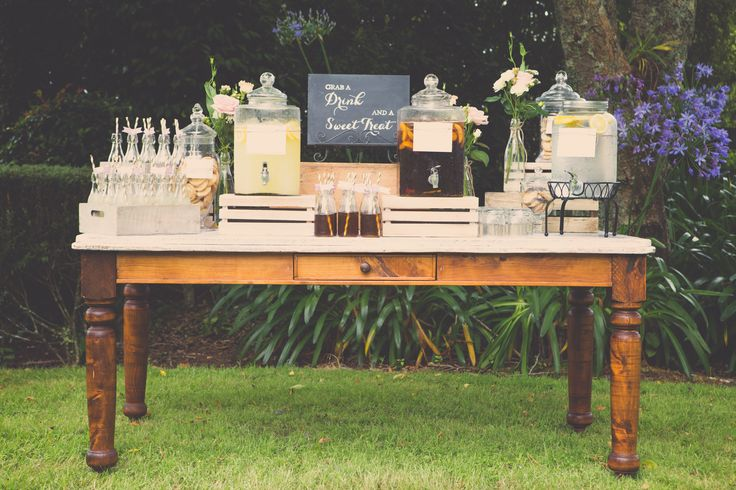 Welcome drinks station, styled by VS Events Photography by Kate O'Neill