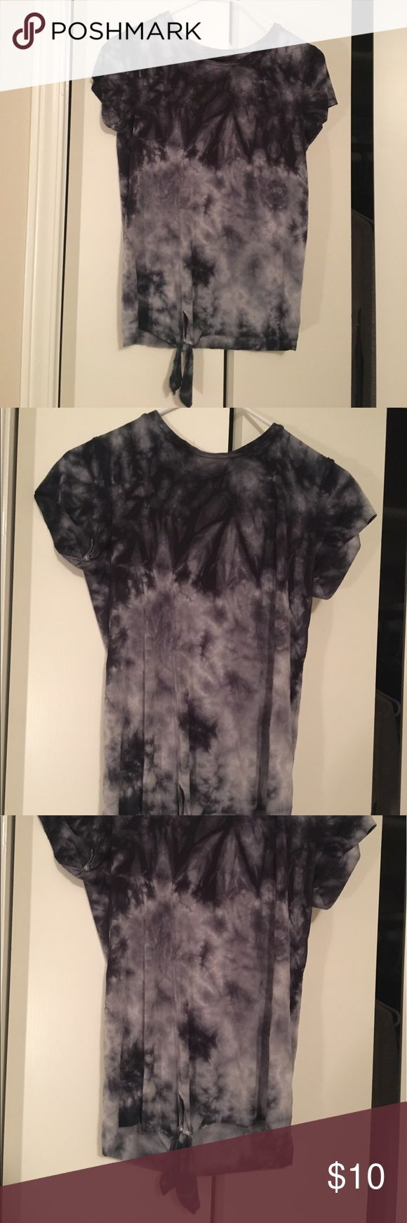 American Eagle Navy Tie Dye T Shirt American Eagle Navy Tie Dye T Shirt! Worn once and is in perfect condition. The material of this shirt is extremely soft and comfortable! You can pair it with leggings or jeans and it looks great! American Eagle Outfitters Tops Tees - Short Sleeve