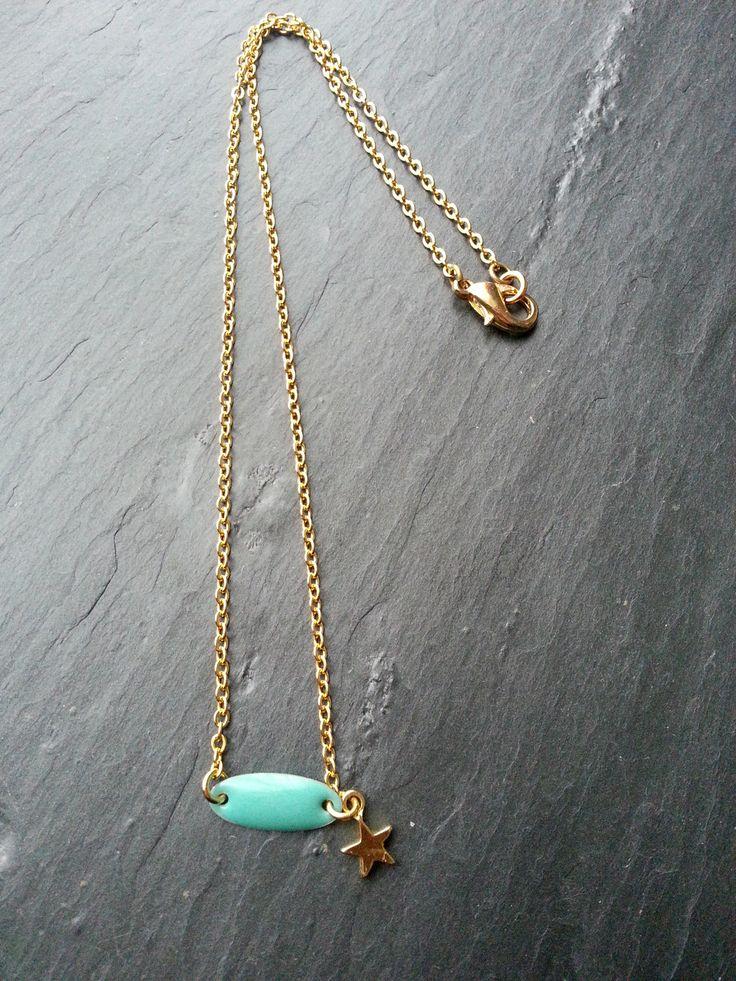 Collier ENFANT doré, navette ovale émaillée et étoile dorée : Bijoux enfants par lescreasdelinda
