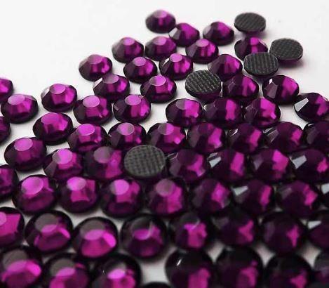 Стразы-стразики Подробнее: http://ali.pub/saqdc  Цвет аметист. Очень красивый цвет. Стразы ровные без брака, без запаха, не пачкаются, переливаются