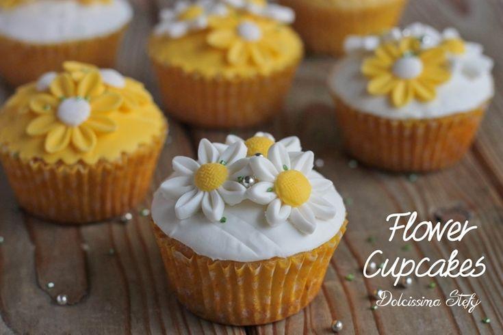 Cupcakes con Fiori in Pasta di Zucchero