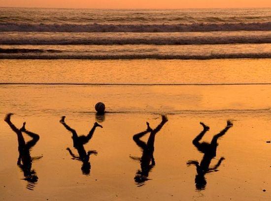 A Tribute By Israeli Artist Amir Schiby To Four Boys Killed On A Beach In Gaza