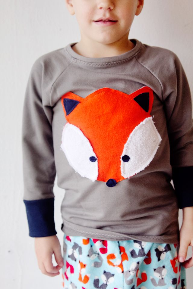 And a matching shirt! I made this little pajama set for my son and he loves it! Ann Kelle sent me some of her flannels to try out. I chose these cute foxes, I love the colors in it! The little foxes are so sweet so I made a large applique fox recess raglan to …