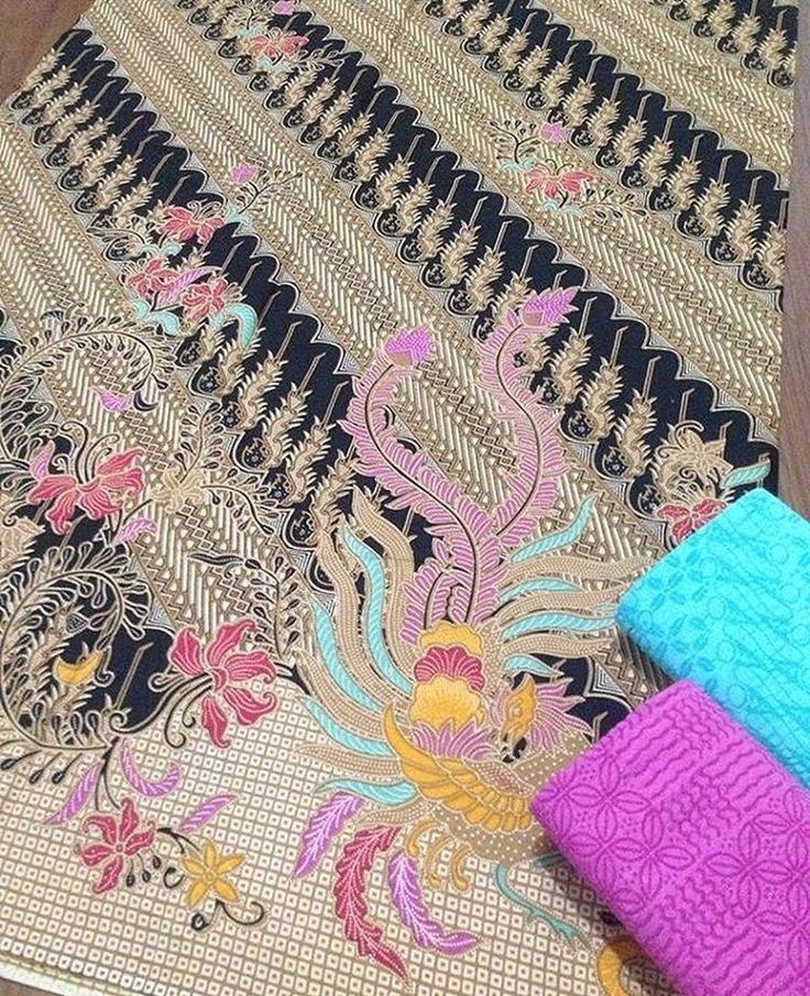Batik print katun halus + embos @150.000 Batik 240x110 @105.000 Embos 190x100 @60.000 Ambil banyak harga grosir Minat WA 0819-821764 Line Lechis