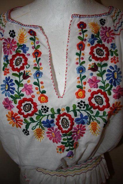 bluzka goralska | Góralska haftowana - Ubrania vintage - DecoBazaar