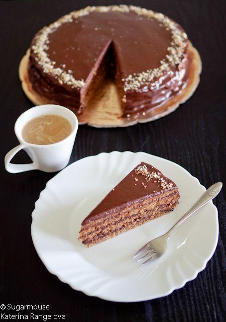 Представям ви една изключителна рецепта за торта Гараш! Коя е оригиналната рецепта не знам дали изобщо е известно. Преди време публикувах рецепта за торта Гараш – Шератон, която претендира да…
