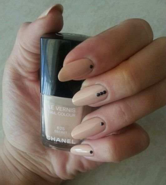CHANEL manicure by anna