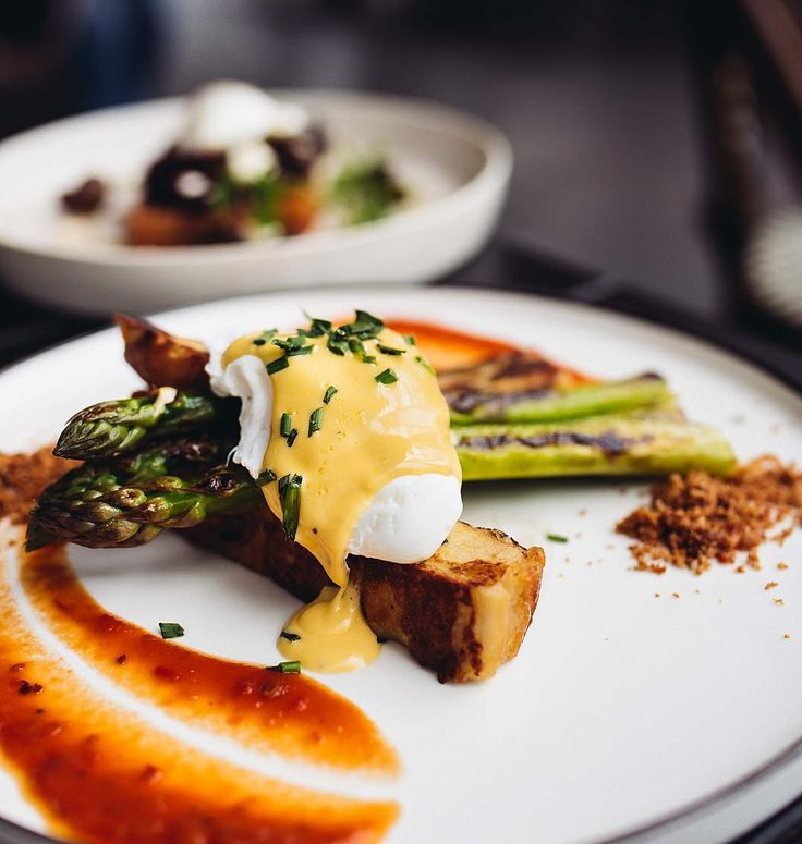 Kiki's French toast w/ three cheese brioche French toast, bacon crumble, chive hollandaise, tomato Chilli jam, asparagus & poached egg ❣️made in house @mochajos 📍Glen Waverley, Victoria