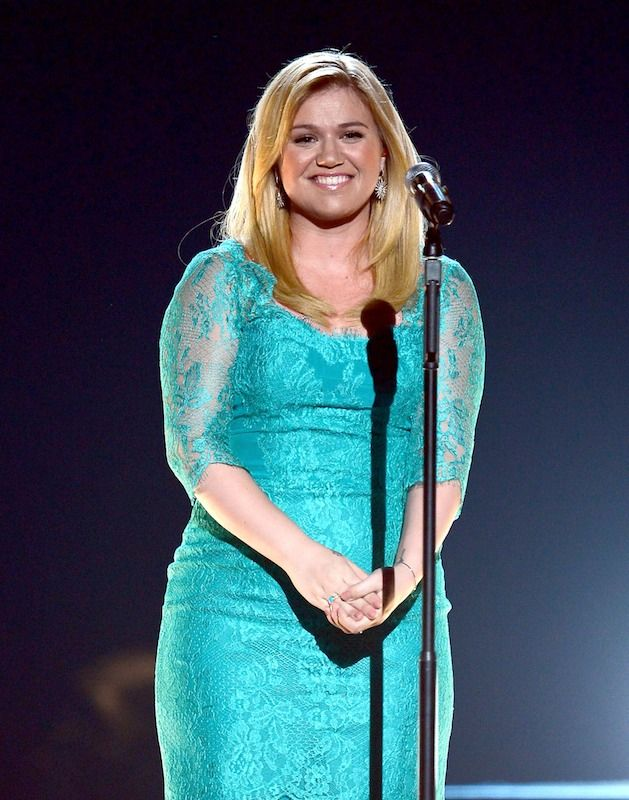 Kelly Clarkson's New Album Needs These 9 Things — LISTEN