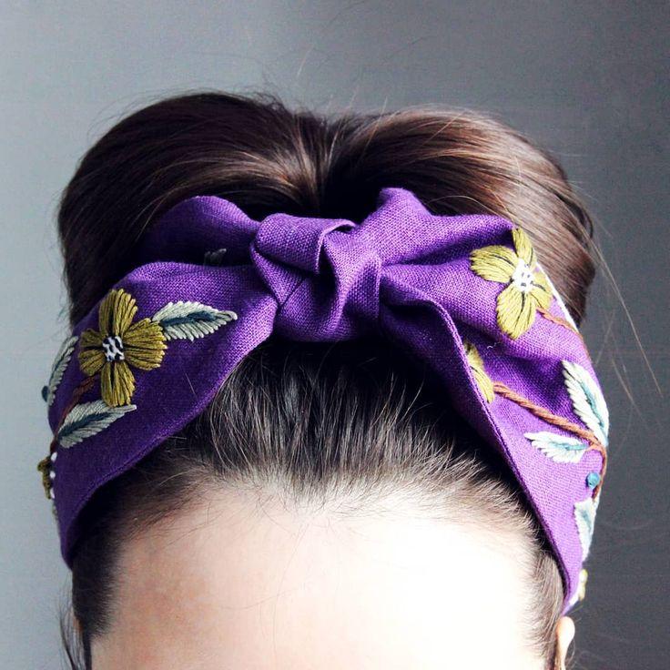 Ободок из льна, в фиолетовом цвете. В пред. п…