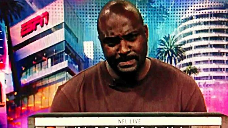 "5 years ago today Junior Seau took his own life. Here is an emotional Marcellus Wiley remembering ""Buddy""  https://youtu.be/Em51Qo7OtyY Submitted May 02 2017 at 12:10PM by bendandrea25 via reddit http://ift.tt/2qoUgoO"