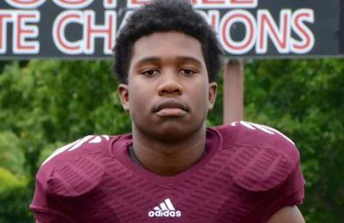 Tennessee High School Football Player Zaevion Dobson Shot to Death While Shielding Three Girls From Gunfire | Complex