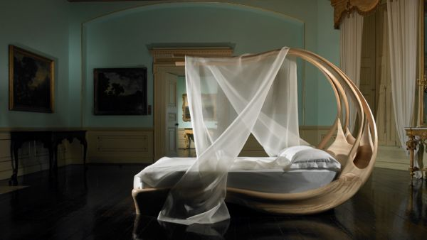 Enignum Canopy Bed The 9 Most Romantic Beds You Could Ever Hope to Sleep in This Valentine's Day - Homes and Hues