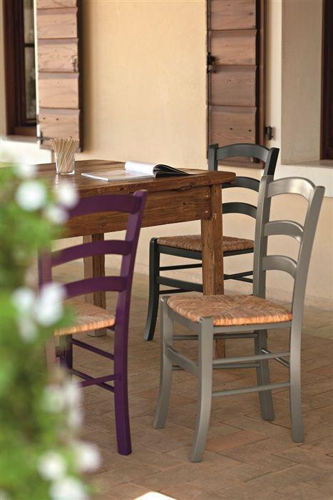 Esta es perfecta...95€ Silla VEN-LA, madera de haya, lacada, asiento enea.Consultar pedido minimo pone 12 en almacén.