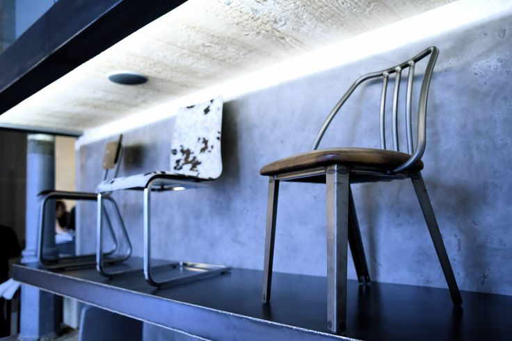 Vladan Běhal Design | Bulldog's kitchen  #Praha #prague #vladanbehal #design #interiordesign #stools #stool #interior #bulldog #kitchen #food #table #restaurant #light #designlight #productdesign #chandelier #concrete  Více na http://www.bulldogskitchen.cz/