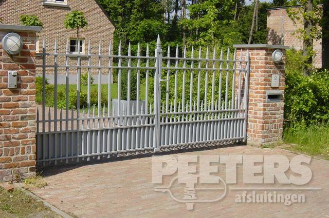 25 beste idee n over poorten op pinterest poort voorhekken en omheiningsontwerp - Tuin oprit plaat ...