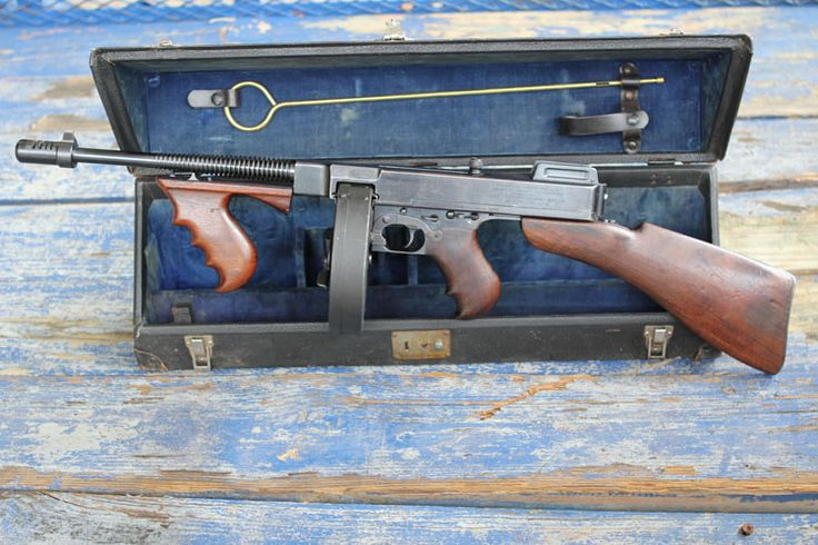 Thompson Submachine Gun | 1921 Thompson Sub Machine Gun, serial number 4339, caliber 45 ACP
