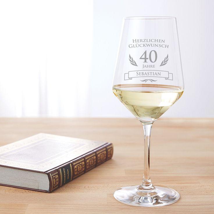 Jetzt individuelles Weinglas zum 40. Geburtstag gestalten: Unser Weißweinglas mit Gravur ist ein edles Weingeschenk. #Weinglas #Gravur #Geschenk #Weißweinglas #Geburtstagsgeschenk #Geschenkidee