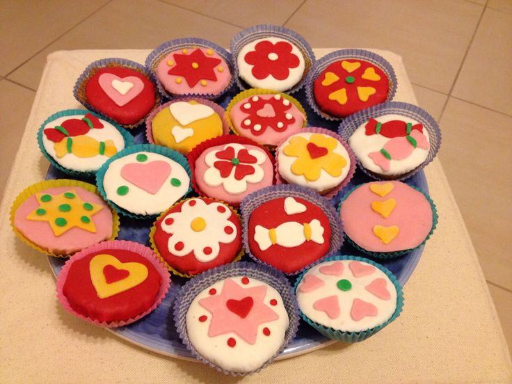 Mini Muffin decorati con Pasta di Zucchero