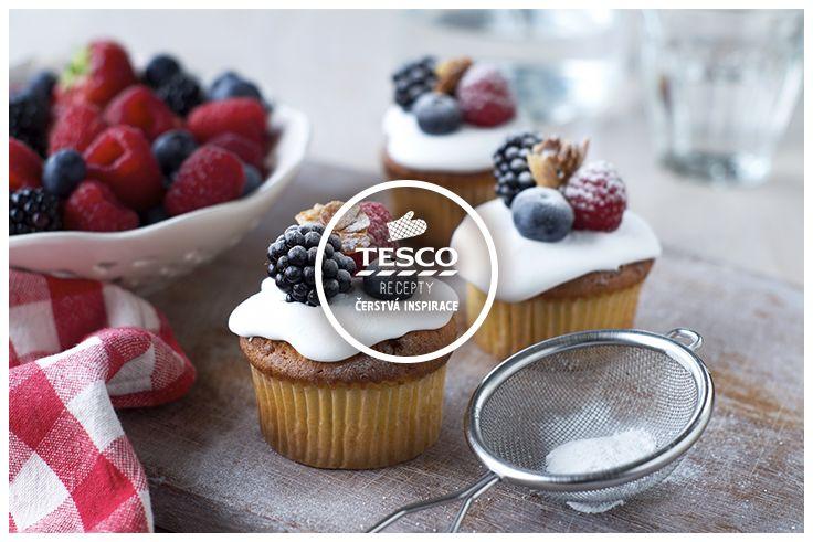 Borůvkovo – jogurtové cupcakes s ovesnými vločkami http://www.tescorecepty.cz/recepty/detail/348-boruvkovo-jogurtove-cupcakes-s-ovesnymi-vlockami