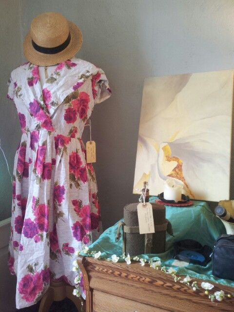 Vintage and crafts in the pop up shop