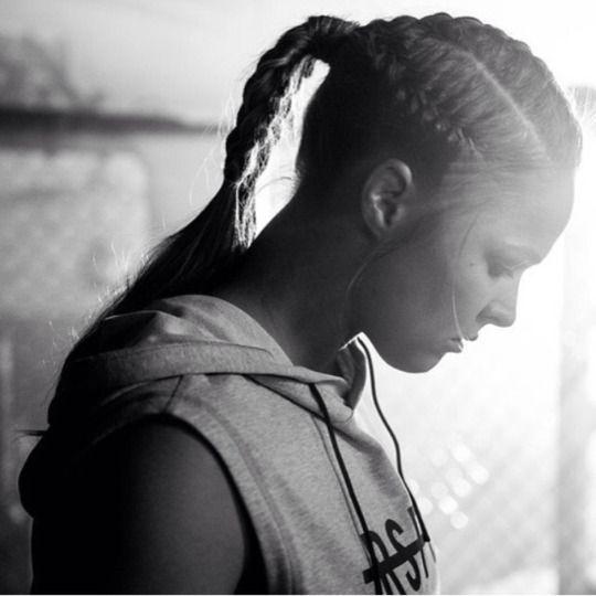 Ronda Rousey Web