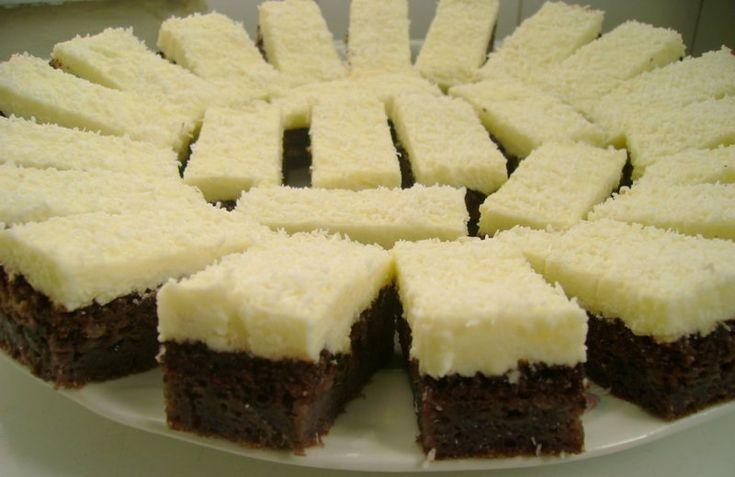 Pillanatok alatt összeállítható aztán mehet is a sütőbe! Egy pille könnyű, finom sütemény! Hozzávalók: 8 tojás 9 evőkanál cukor 5 evőkanál liszt 1 tasak sütőpor 4 evőkanál kakaópor 125 ml szénsavas ásványvíz 3 evőkanál olaj A krémhez: 1 csomag vaníliás pudingpor 8 evőkanál cukor 3 dl tej 20 dkg vaj Elkészítése: A tojásfehérjéből kemény habot...Olvasd tovább