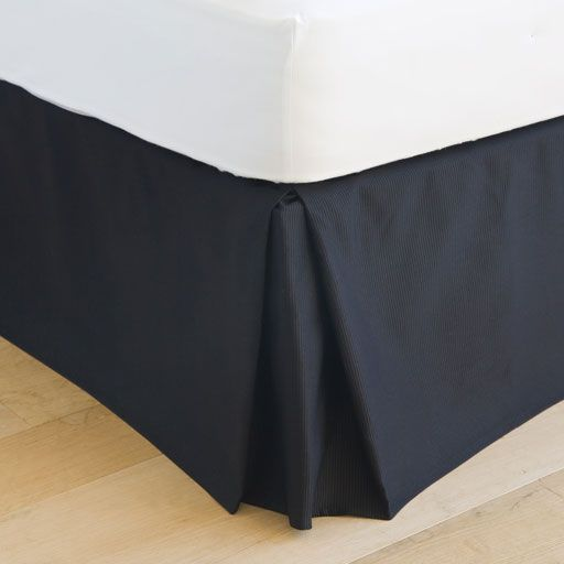 Image of the product Black ribbed valance sheet