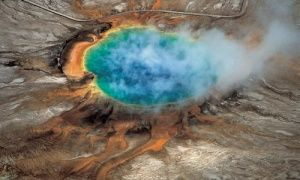 Yellowstone national park: far below the Grand Prismatic hot spring a huge magma reservoir has been discovered beneath the previously known magma chamber.