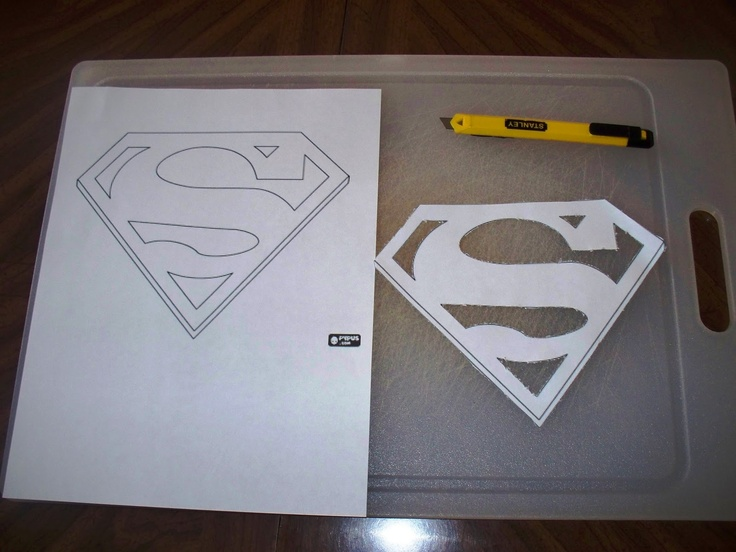 17 best images about superman cake on pinterest cakes for Superman template for cake