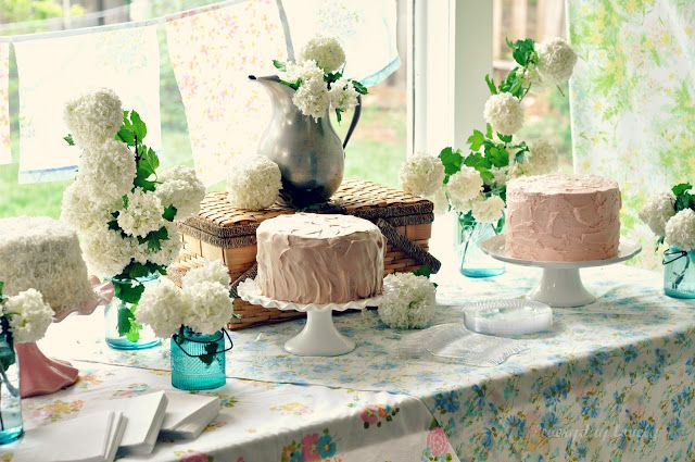 NEed to go Thrifting!! everyday lovely: A Vintage Bridal Shower