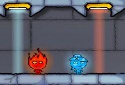 Hoy le ofrecemos un juego de Fireboy and Watergirl, el chico de fuego y la chica de agua que deben avanzar niveles activando mecanismos para abrir puertas que le conducirán hacia su objetivo. Este juego es de 2 player y a la vez es muy adictivo porque es complicado de superar. Si te desenvuelves bien con el teclado, podrás superar todos los niveles.