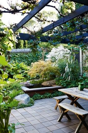 The central courtyard designed by Ellis Stones is a serene setting in which to connect with nature.