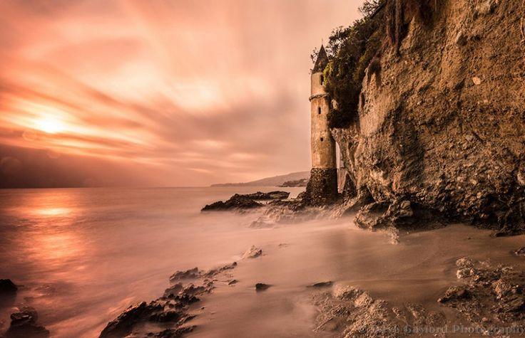 7701810-R3L8T8D-900-amazing-lighthouse-landscape-photography-11
