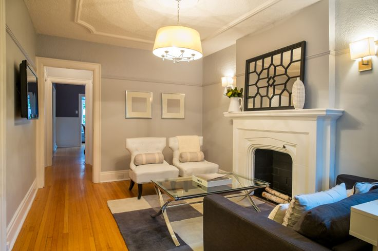 50 beautiful small living room ideas and designs pictures for Chair rail ideas for living room