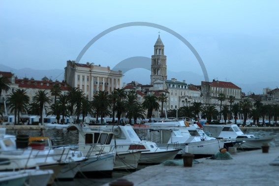 Port de Split - Croatie | Christie Cartes   $2 - Photo de Thibaud Laroche - christiecartes.com