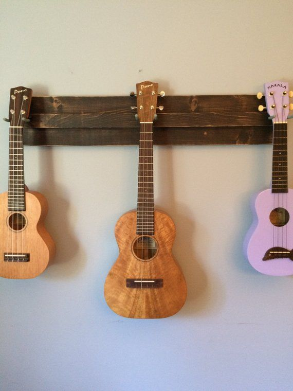 48 Quot Hanger For 5 Instruments For A Mix Of Ukuleles