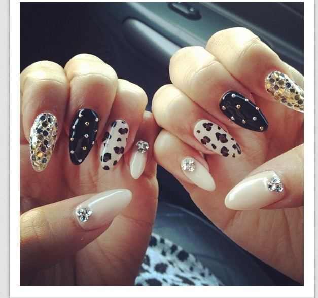 Zendaya S Almond Shaped Nails Wish List Pinterest Nail Designs And Art