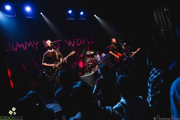 Jim Adkins - Vocals, guitars Tom Linton - Guitars, vocals Rick Burch - Bass Zach Lind - Drums  Jimmy Eat World en La Trastienda MVD el 30 de marzo del 2017