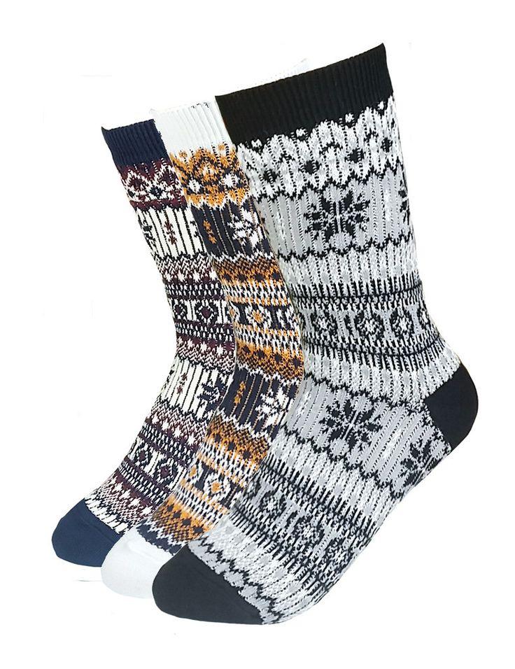 Women's 3 Pair Pack Woven Knit Snowflake Winter Short Crew Socks