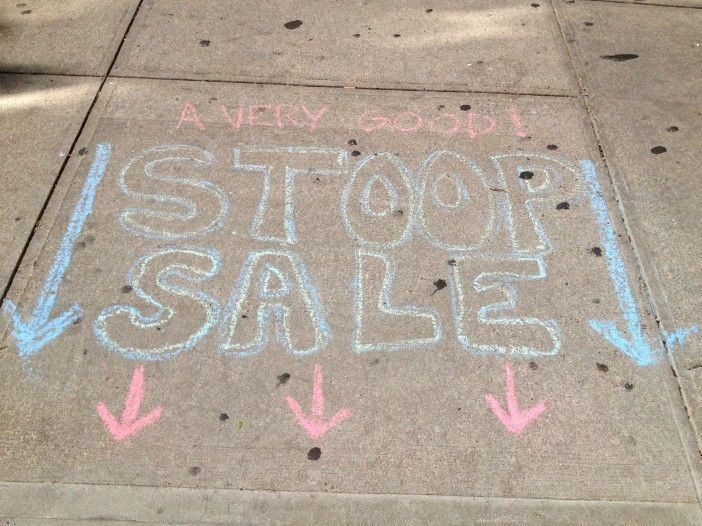 how to throw a stoop sale this weekend! on domino.com