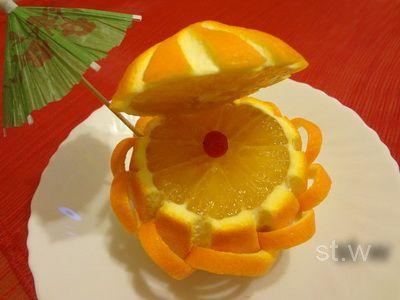 Sieraden gemaakt van oranje gerechten: shell-pearl