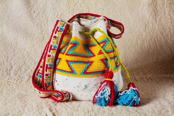 Large  Wayuu Mochila Bag large woven beach bag by SchastlyvaTorba